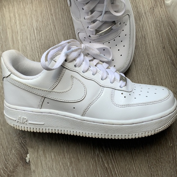 White Nike Airforce 1 low